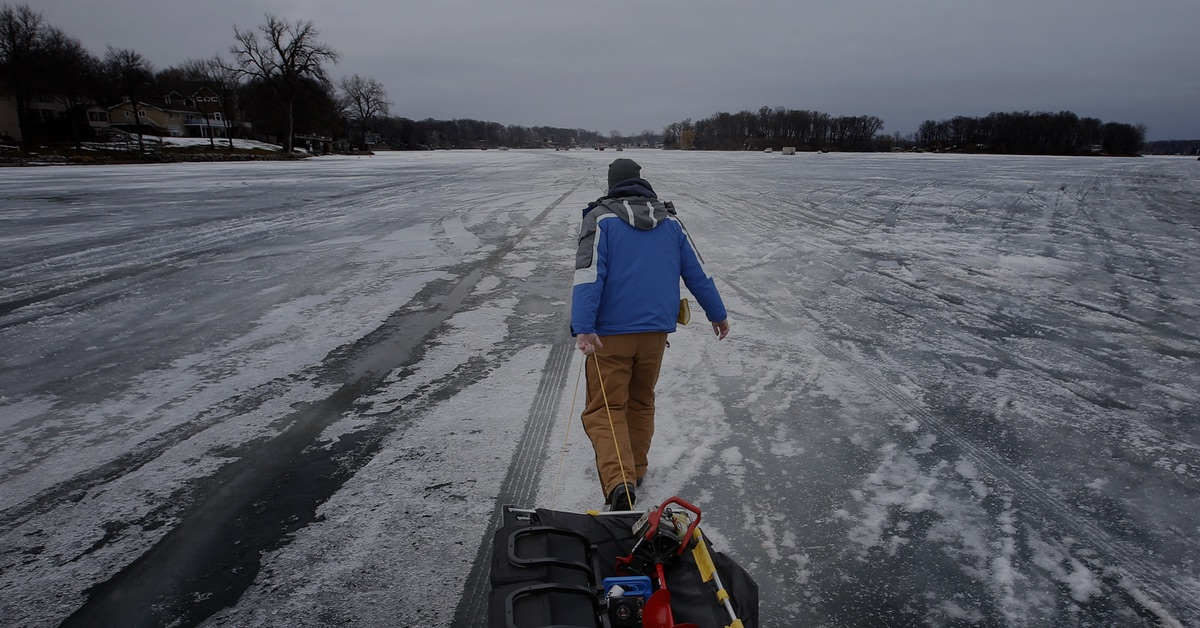 Ice beginning to form on area lakes ice fishing rentals for Ice fishing rentals mn